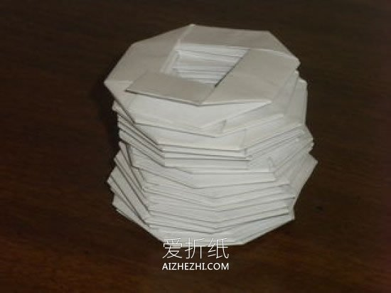 怎么折纸弹簧的方法 手工弹簧玩具的折法图解- www.aizhezhi.com