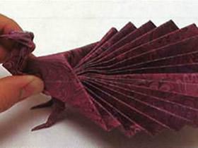 如何折纸孔雀开屏 开屏孔雀的折法图解