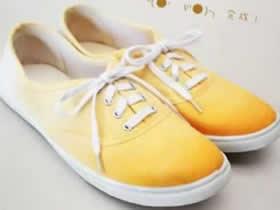 白色帆布鞋改色教程 手工改造帆布鞋的方法