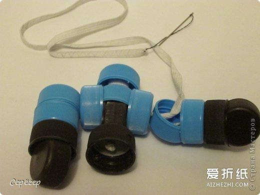 软陶制作入门_塑料瓶盖机器人制作 机器战警模型的做法步骤图_爱折纸网