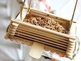 如何制作简单小鸟喂食器 手工冰棍棒喂食器的做法