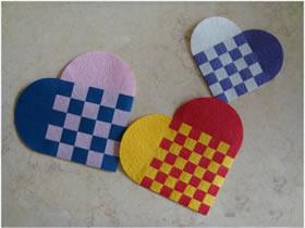 纸条编织爱心怎么做 手工纸编爱心的方法图解