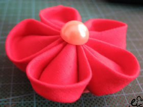 怎么做樱花胸花的方法 手工布艺制作樱花胸花