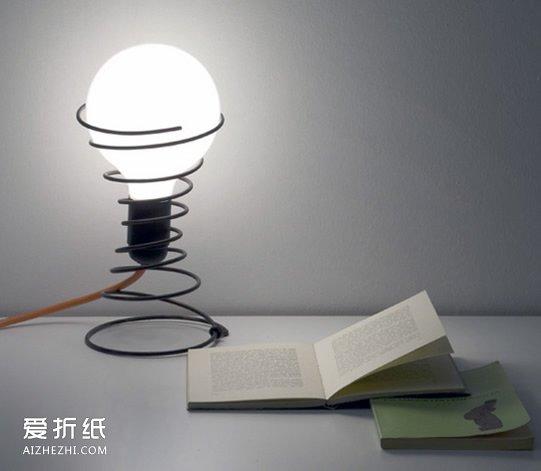 手工制作台灯的方法_自制台灯底座的方法 用弹簧手工制作台灯底座_爱折纸网