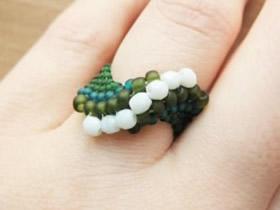 串珠戒指的编法教程 手工串珠编织戒指图解