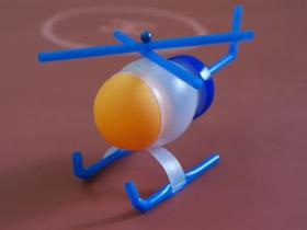 怎么制作直升飞机模型 牛奶瓶手工制作直升飞机