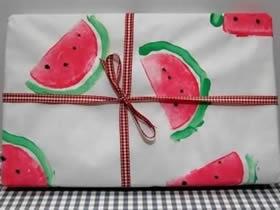 简单又创意礼品包装DIY 用土豆画西瓜的方法