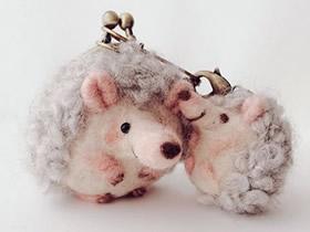超可爱的羊毛毡小动物口金包作品图片