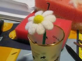怎么做羊毛毡小花教程 羊毛毡手工制作花朵