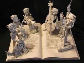 怎么用旧书做纸雕图片 手工制作旧书纸雕作品