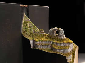 手工旧书雕塑作品图片 壮丽书籍山川纸雕欣赏
