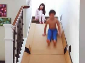 怎么做简易滑梯的方法 废纸箱做家庭滑梯玩具