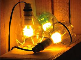 雪碧瓶怎么做灯罩图解 雪碧瓶子手工制作灯具