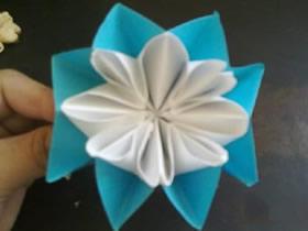 母亲节怎么折纸康乃馨 父亲节康乃馨折法图解
