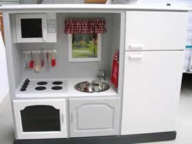 怎么做儿童玩具厨房 旧电视柜改造玩具厨房