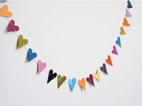 色卡怎么制作爱心挂饰 色卡手工制作心形装饰