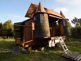 破卡车改造移动城堡 DIY卡车城堡的创意图片