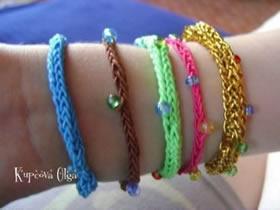 怎么编织小清新手链 包括编织道具的制作方法