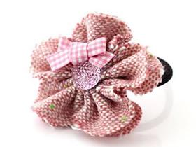 怎么做甜美的花朵头绳 手工布艺可爱花朵发绳
