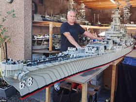 乐高积木制作军舰模型图片 据称世界最大!
