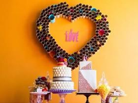 怎么做婚礼布置爱心装饰 卷纸芯制作巨大爱心