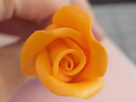 粘土玫瑰花怎么做图解 粘土一步一步制作玫瑰