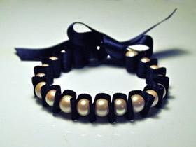 怎么做缎带串珠手链 缎带制作串珠珍珠手链
