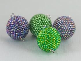 串珠球体怎么做图解 球体小挂件串珠DIY教程