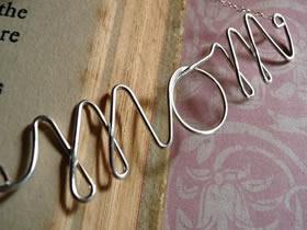 金属丝怎么做英文名字 自制金属丝名字项链坠