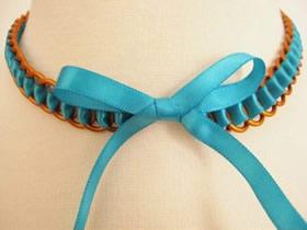 怎么用缎带编织项链 小金属环DIY项链步骤图