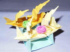 怎么折纸帆船手工艺品 包括帆船和支撑底座