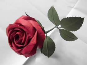 怎么折纸酒杯玫瑰图解 超详细酒杯玫瑰花折法