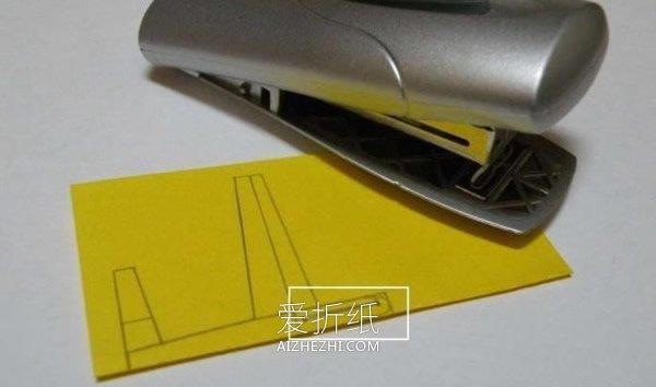 怎么做滑翔机的方法 便签纸手工制作滑翔机- www.aizhezhi.com