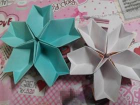 怎么简单折纸立体樱花 五张纸折樱花的方法图解