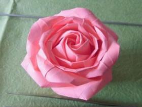 怎么折纸酒杯玫瑰图解 手工酒杯玫瑰花的折法