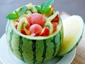 简单又诱人的水果拼盘 快来享受美味水果大餐!