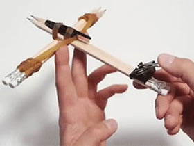 怎么做玩具弩的方法图解 铅笔文具手工制作弩