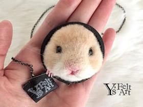 手工羊毛毡仓鼠图片 装饰在包上仿佛带了宠物