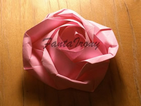 怎么做纸玫瑰的方法 手工立体玫瑰花折法图解