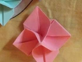 怎么折纸四瓣花图解 手工四瓣纸花的折法过程