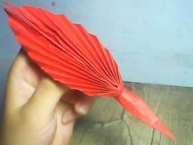 怎么折纸鹅毛笔图解 儿童手工鸡毛笔的折法