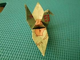 怎么折纸经典千纸鹤 手工立体纸鹤的折法过程