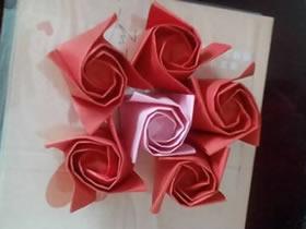 怎么折纸香槟玫瑰图解 手工梦幻香槟玫瑰花折法
