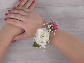 怎么做鲜花手环的方法 鲜花手工制作新娘手环