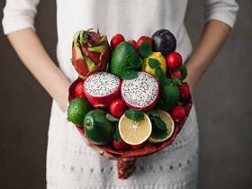 怎么做创意手捧花图片 蔬果制作手捧花的作品