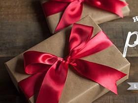 怎么用丝带给礼品包装盒打蝴蝶结的方法图解