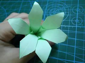 怎么折纸组合式百合花 两张纸折百合的折法