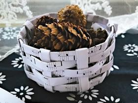 怎么编织圆形收纳筐 废纸手工收纳筐编法图解