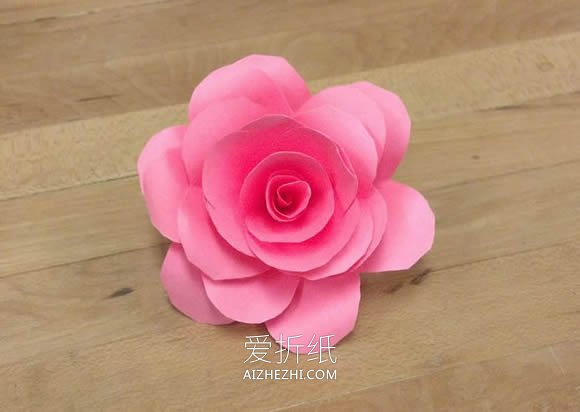 怎样用纸做玫瑰花_怎么用彩纸做玫瑰花图解 简单纸玫瑰手工制作(3)_爱折纸网