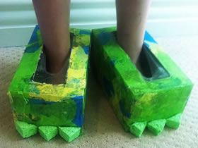 怎么自制怪物鞋的方法 纸巾盒手工制作怪物脚